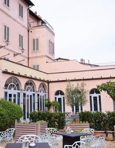 Places to visit in Florence - LA LEGGENDADEI FRATI Garden