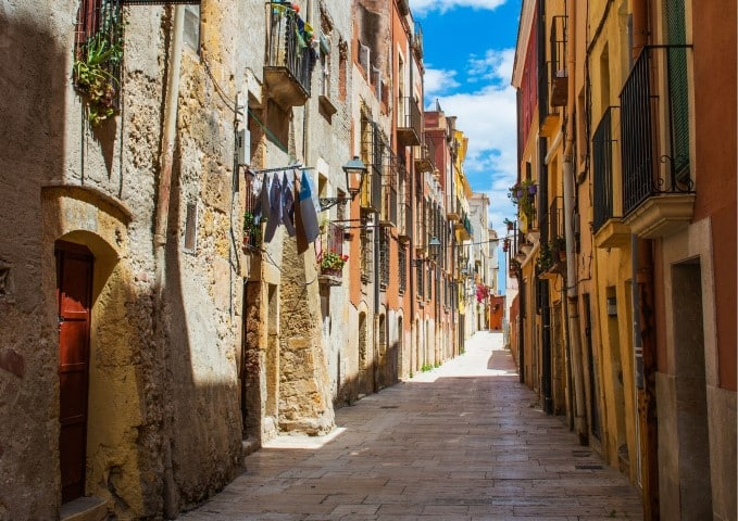 Best Books About Spain to Read Before Visiting | Books Set in Spain