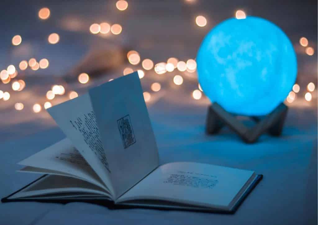 Magical Sci-fi & Fantasy Space Travel Books & Novels Books set in Space