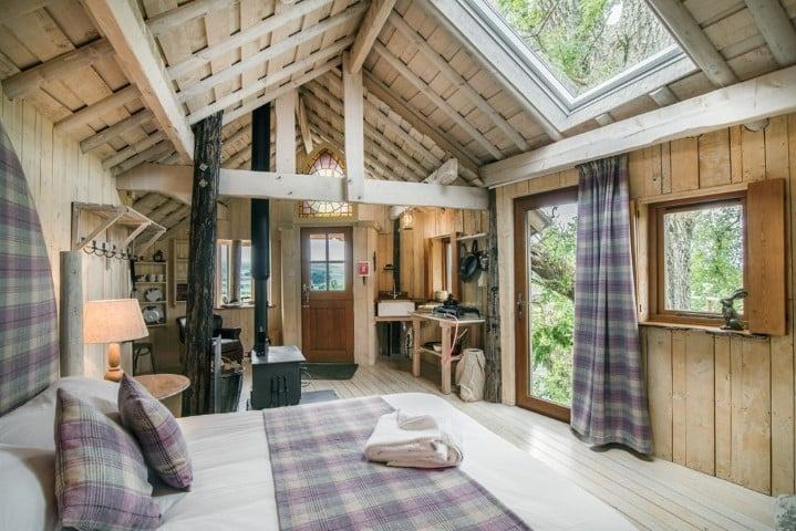 The Tree Howf interior, Treehouse Glamping in Braco, Scotland (Small)
