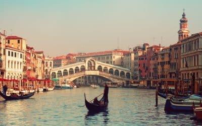8 Enchanting Italian Poems Of Love In English