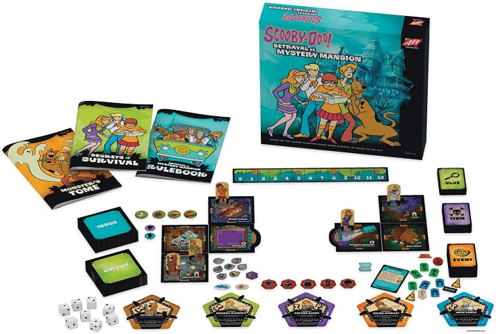 Avalon Hill Scooby Doo in Betrayal at Mystery Mansion board game (Small)