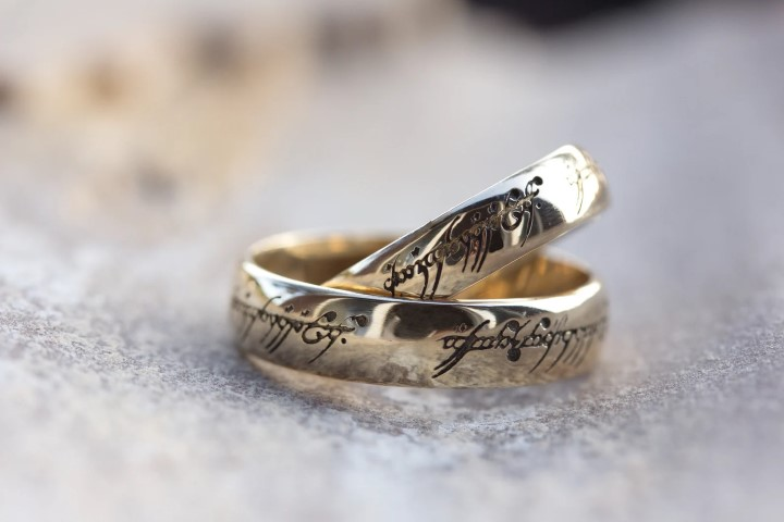 Gold Lord of the rings Wedding Rings For Geeks (Small)