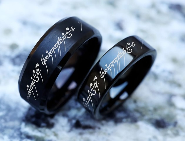 Lord of the rings wedding rings with Elvish for geeks (Small)