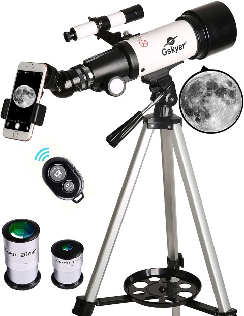 Mount Astronomical Refracting - best astronomy gifts for space lovers (Small)