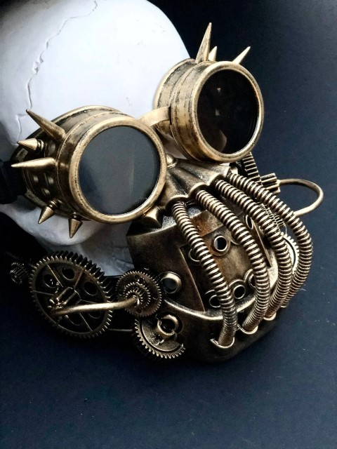 Steampunk gas mask with goggles - Mad Max Inspired (Small)