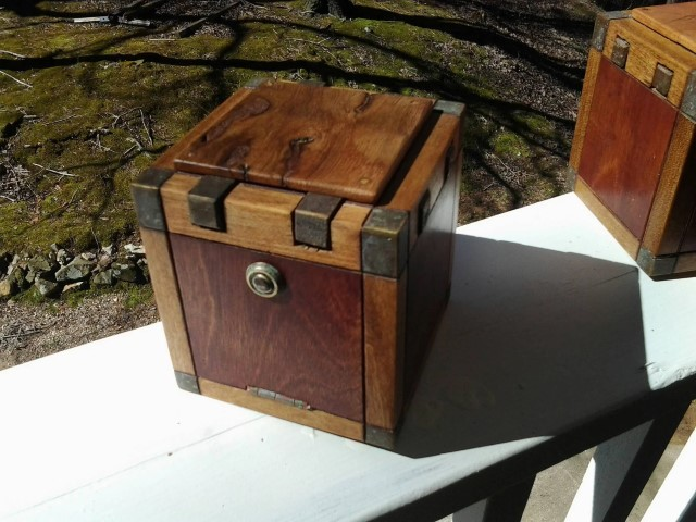 Woodworking Projects That Sell - Worm Wood puzzle box